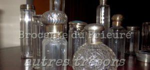 collection de flacons - Brocante de la Pointe Minard