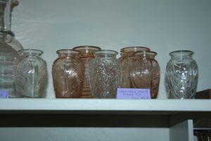 collection de vases en verre moulé Brocante de la Pointe Minard cadeaux