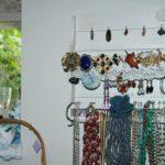 nouveau : des bijoux à la Brocante du Prieuré, à Chichée, près de Chablis