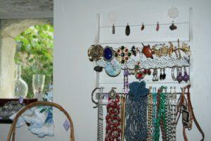 nouveau : des bijoux à la Brocante de la Pointe Minard, à Plouézec, près de Paimpol