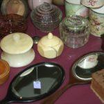 miroir vintage, face à main, à la Brocante du Prieuré, près de Chablis