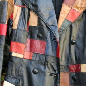 manteau vintage patchwork cuir à la Brocante de la Pointe Minard de Chichée près de Chablis