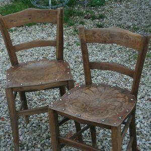 chaises de bistrot Luterma à la Brocante de la Pointe Minard de Chichée près de Chablis
