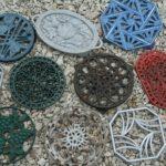 dessous de plat en métal vintage à la Brocante du Prieuré de Chichée près de Chablis