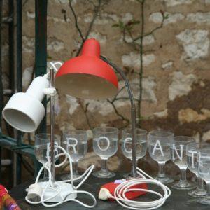 lampe de bureau vintage à la Brocante de la Pointe Minard à Chichée près de Chablis