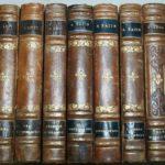 livres anciens reliés cuir à la Brocante du Prieuré de Chichée près de Chablis