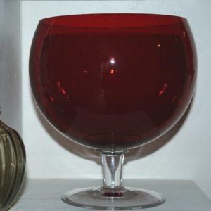 maxi verre vintage à la Brocante de la Pointe Minard à Chichée près de Chablis