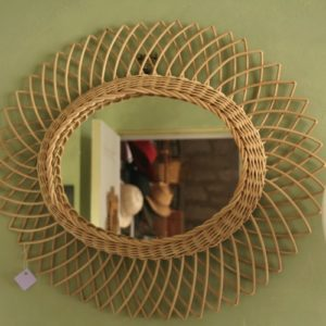 miroir en osier soleil à la Brocante de la Pointe Minard de Chichée près de Chablis