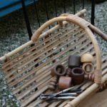 panier à bois en rotin à la Brocante du Prieuré de Chichée près de Chablis