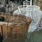 paniers à œufs ou à salade à la Brocante de la Pointe Minard à Plouézec, près de Paimpol