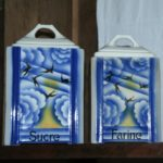 pots à épices art déco en faïence Ditmar Urbach à la Brocante de la Pointe Minard à Chichée près de Chablis