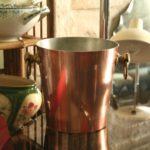 seau à glace en cuivre à la Brocante du Prieuré à Chichée près de Chablis