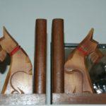 serre livres chiens art déco à la Brocante du Prieuré de Chichée près de Chablis