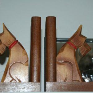 serre livres chiens art déco à la Brocante de la Pointe Minard de Chichée près de Chablis