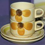 tasses Gien modèle Soleil à la Brocante du Prieuré de Chichée près de Chablis