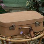 valise vintage à la Brocante de la Pointe Minard à Plouézec, près de Paimpol