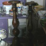 grands chandeliers en bois à la Brocante du Prieuré de Chichée près de Chablis