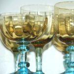 verres à pied George Sand à la Brocante du Prieuré de Chichée près de Chablis